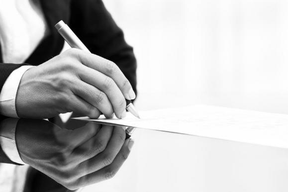 Avocat droit des contrats Paris 6